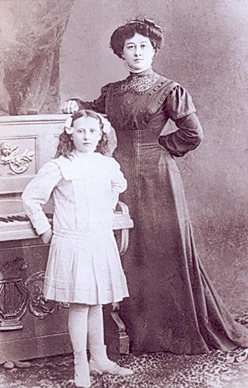 Józefa z Eysymontów Jabłkowska z córką Anielką